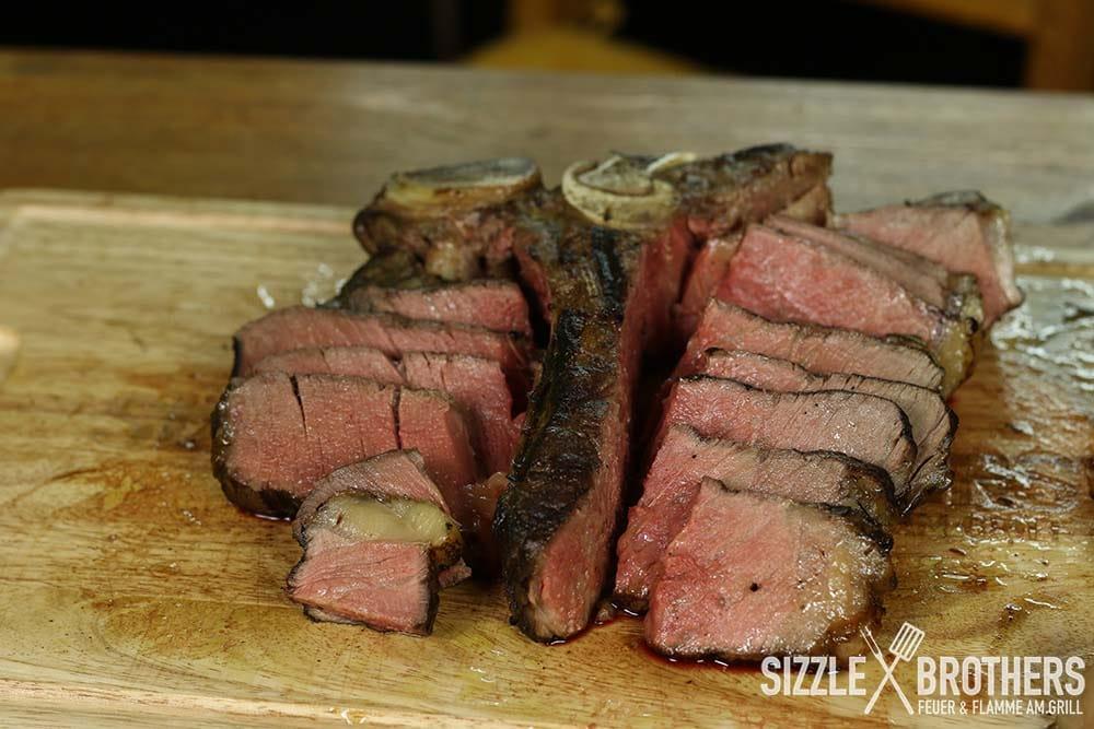 Bistecca-alla-Fiorentina-Steak-aufgeschnitten