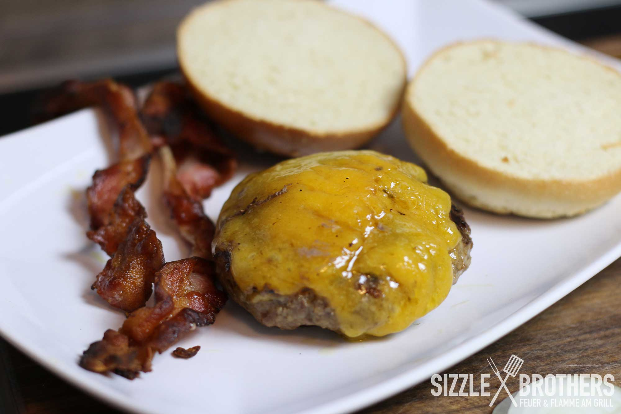 big tasty bacon burger selber machen burgerrezept grillen. Black Bedroom Furniture Sets. Home Design Ideas