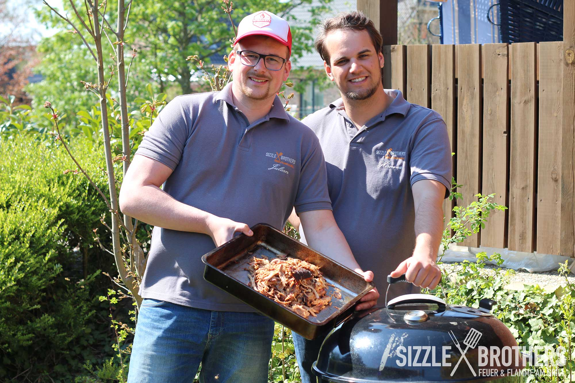 Pulled Pork Gasgrill Deutsch : Pulled pork vom kugelgrill minion ring einsatz bbq