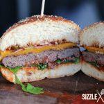 Der Classic Cheeseburger im Anschnitt