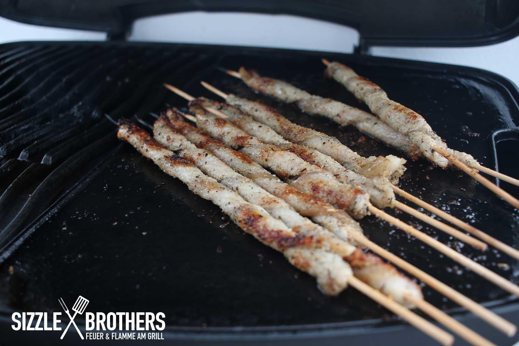 Grillplatte Für Gasgrill : Grillfackeln auf gasgrill sizzle brothers bbq gerichte grill