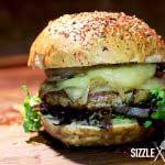 Der fertige Mangalitza Burger
