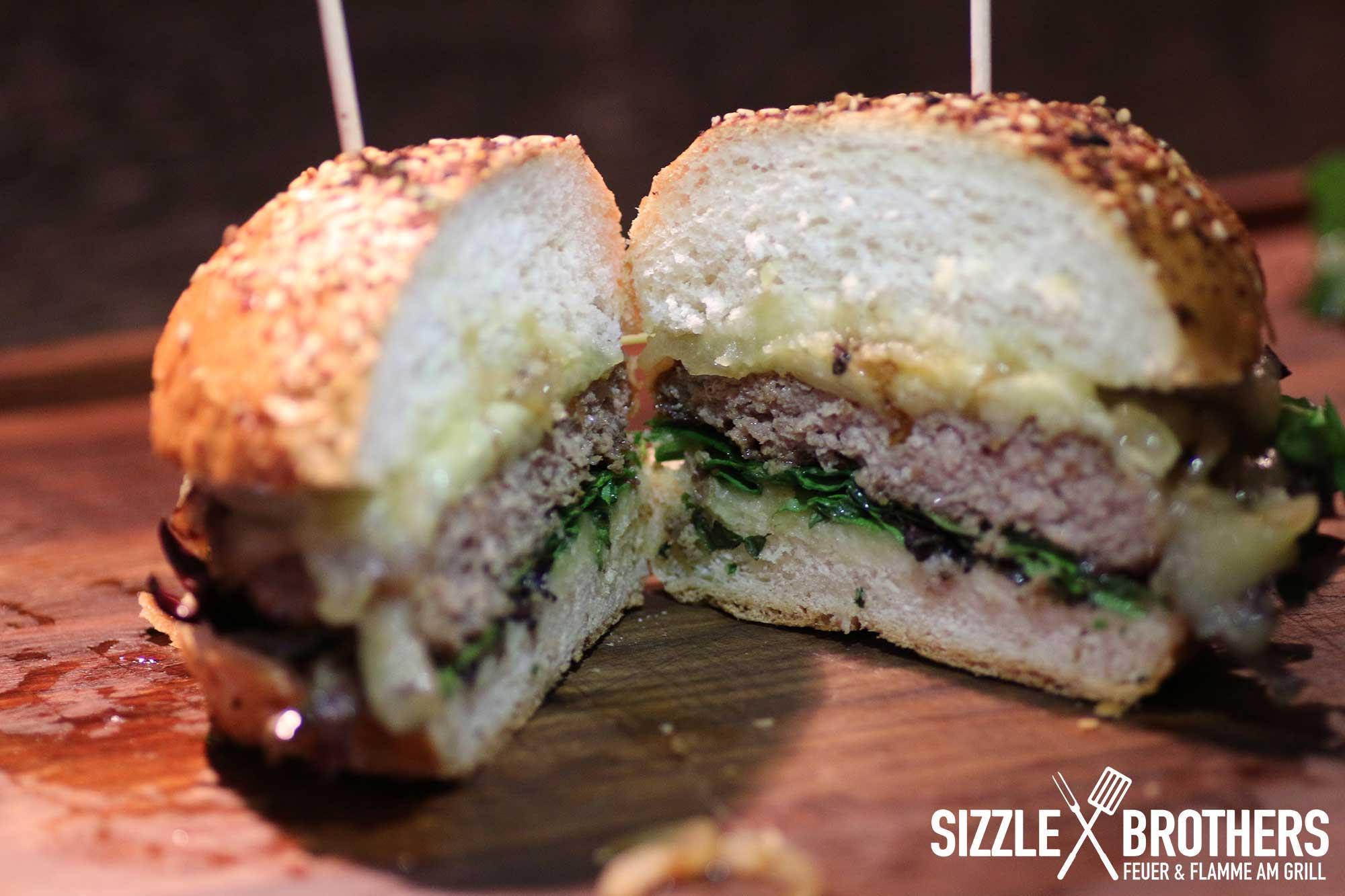 mangalitza-burger-anschnitt
