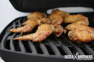 Chicken Wings auf dem Gasgrill