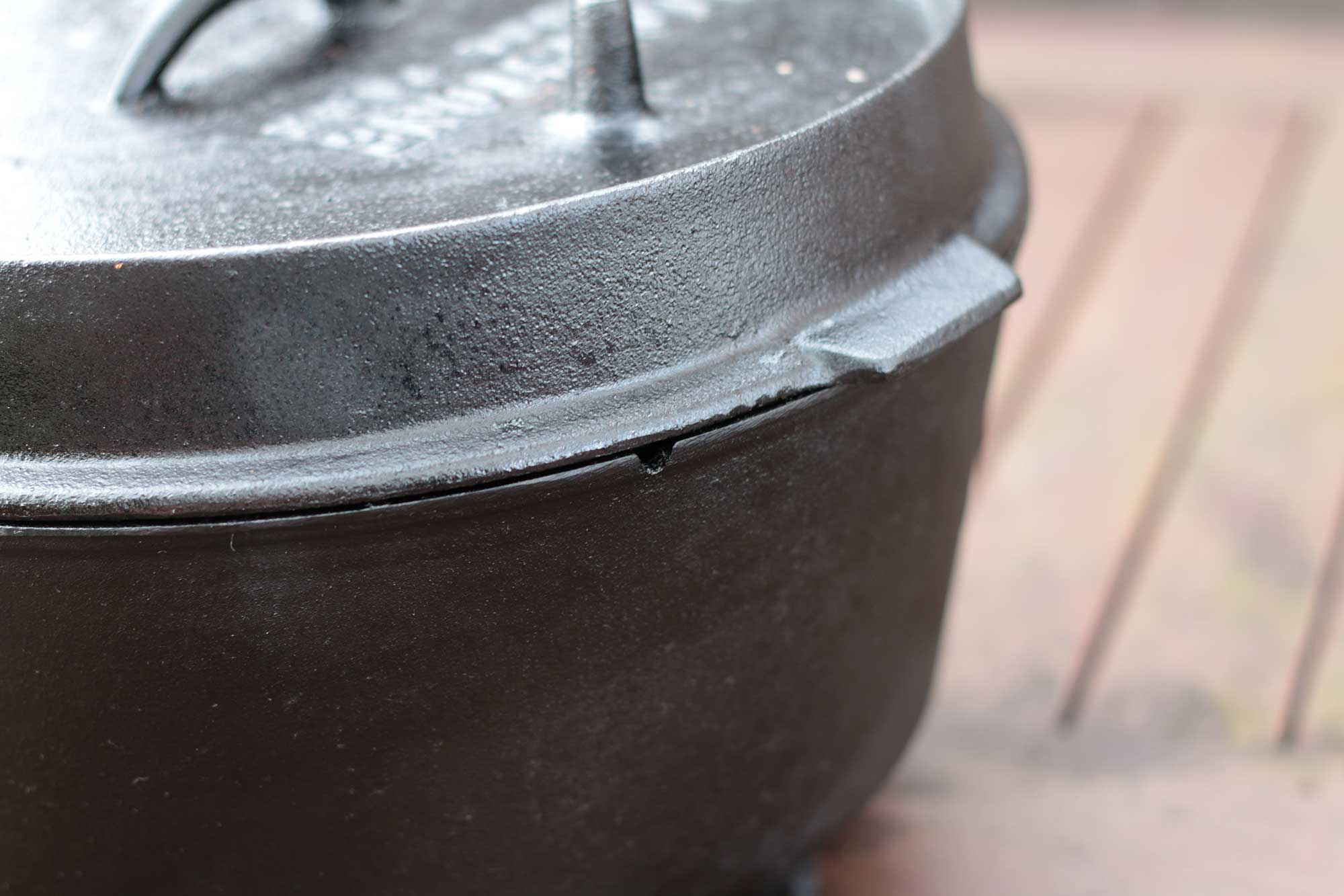 Weber Holzkohlegrill Einbrennen : Dutch oven einbrennen einfache anleitung zum einbrennen