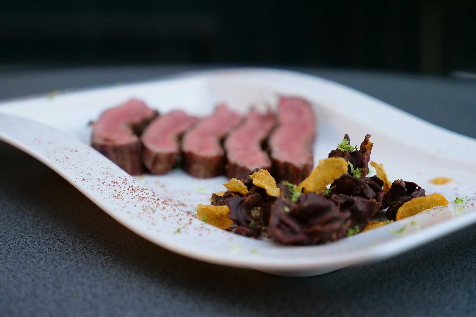 Flank Steak grillen mit Schoko-Limetten-Crunch