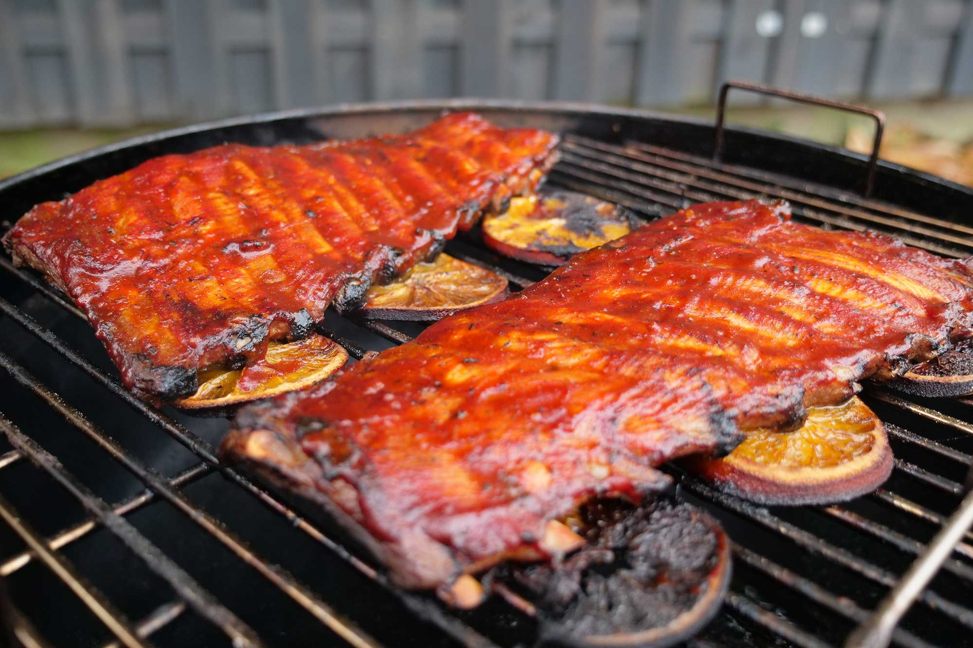 Spareribs Gasgrill Sizzle Brothers : Rippchen vom watersmoker gin tonic spareribs grillen