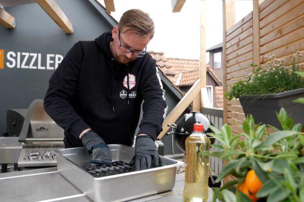 Grillrost reinigen – Mit diesen Tipps werden die Roste richtig sauber
