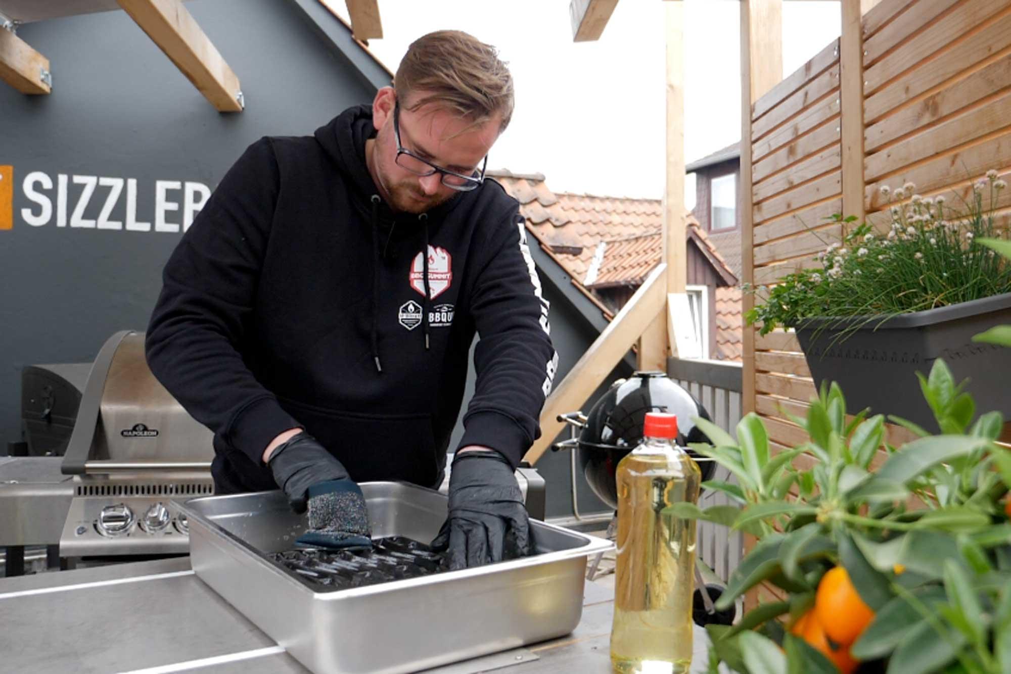 Weber Elektrogrill Rost Reinigen : Grillrost reinigen mit diesen tipps werden roste sauber