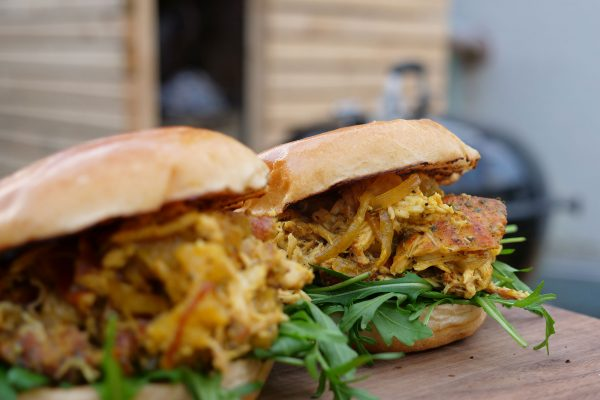 Fertige Pulled Chicken Burger