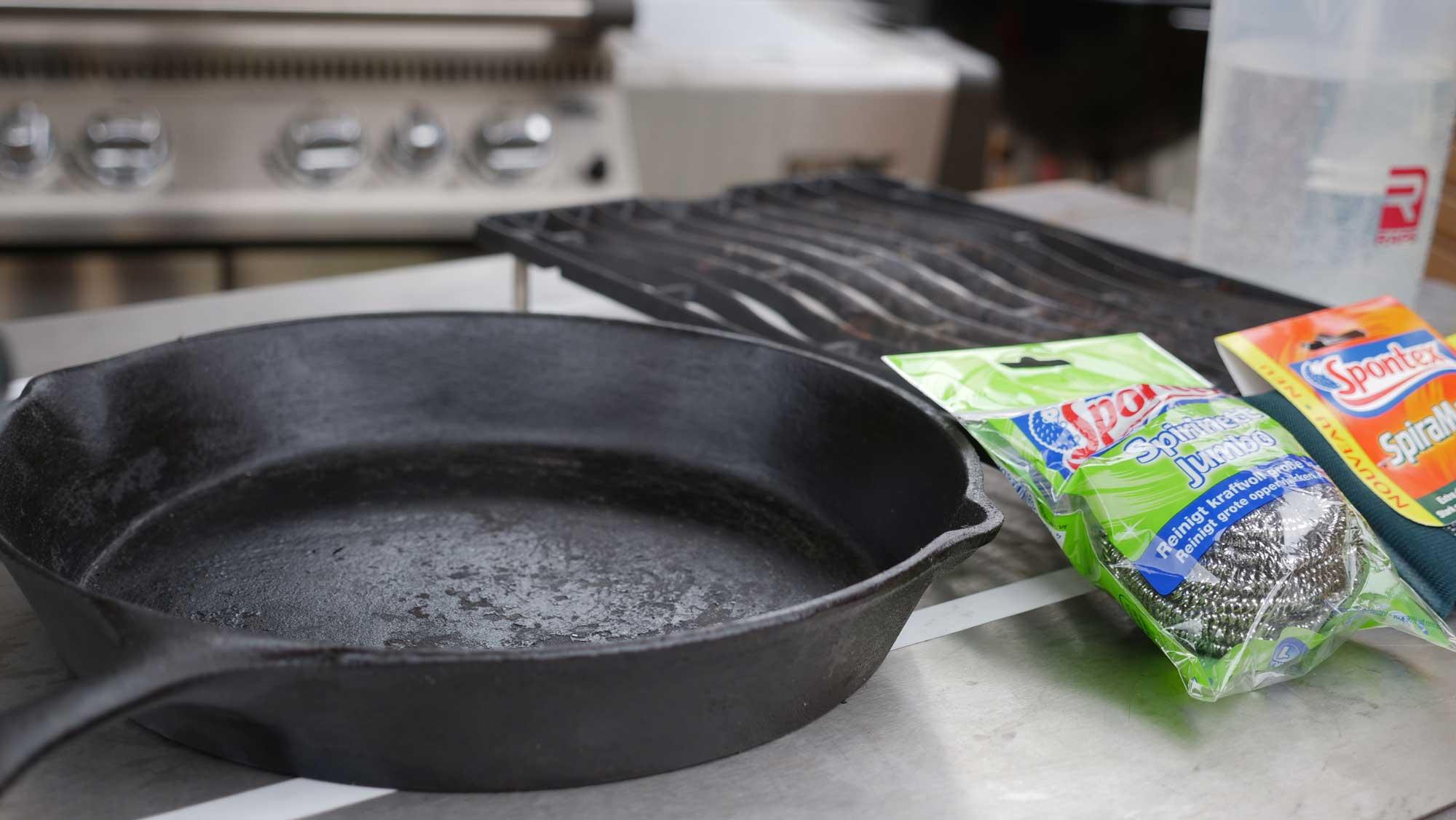 Stahlschwämme sind optimal zur Reinigung von Gussrosten, -pfannen und ähnlichen Gussprodukten