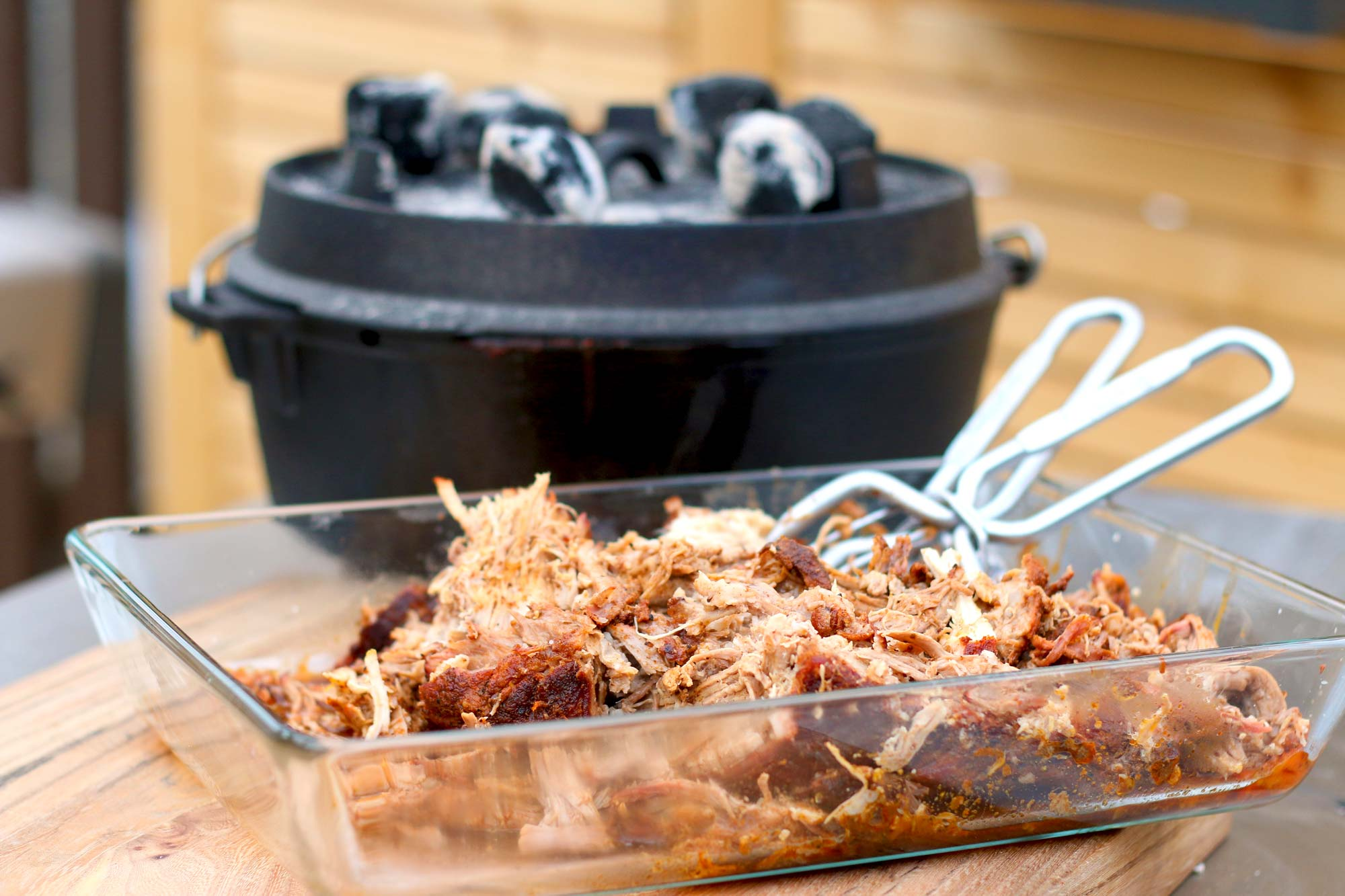 Pulled Pork Gasgrill Texas : Pulled pork aus dem dutch oven highspeed pp in h