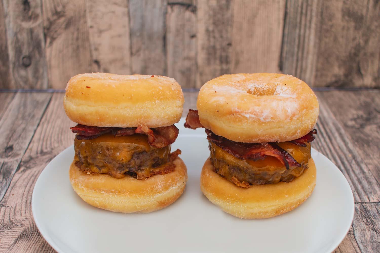 Schmeckt der Donut Burger? – Der Foodtrend aus den USA