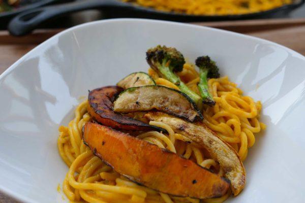Spaghetti mit Kürbis und gegrilltem Gemüse