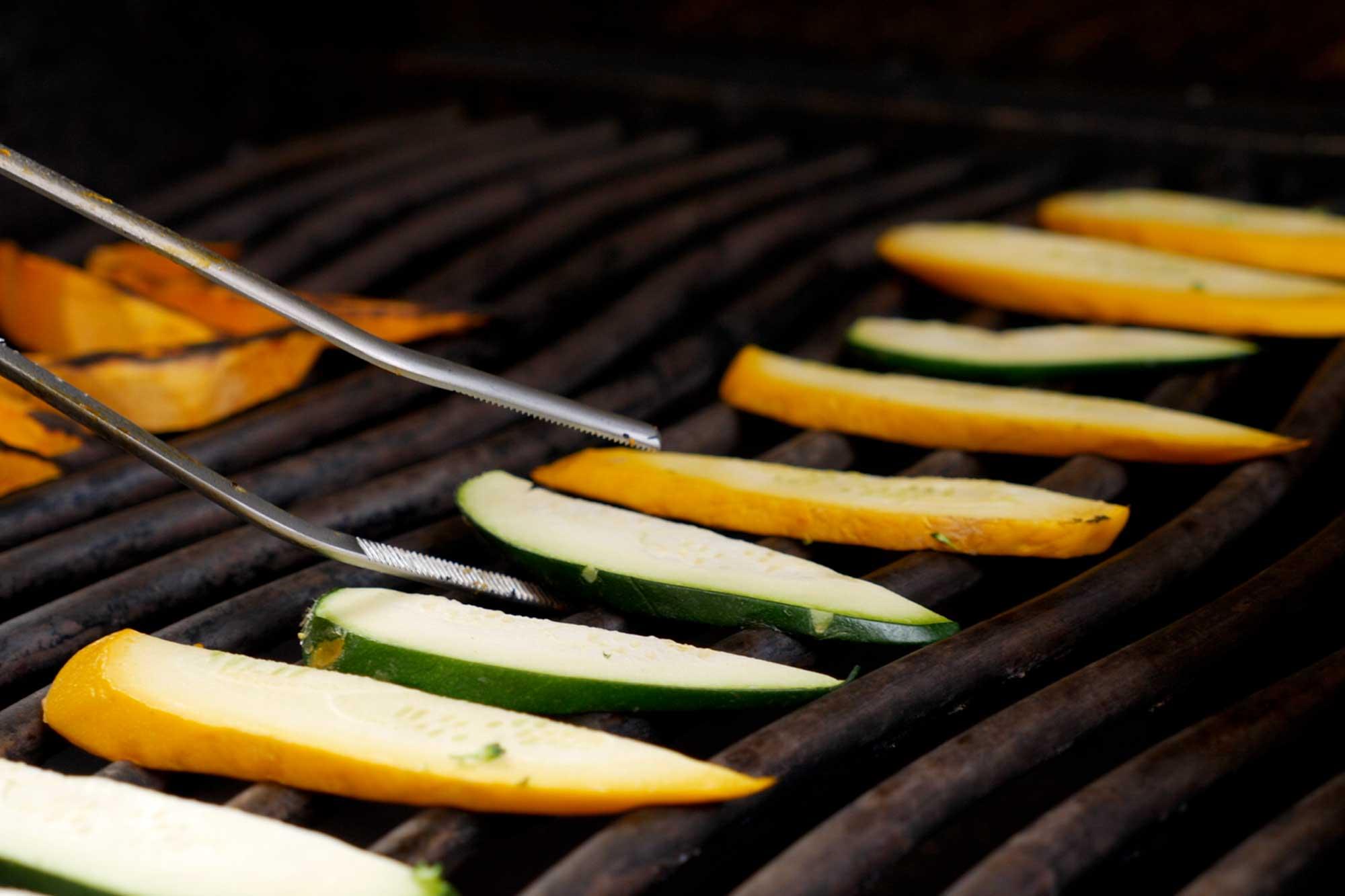 Rezepte Für Gasgrill Vegetarisch : Vegetarisches rezept vom grill spaghetti mit kürbis und grillgemüse