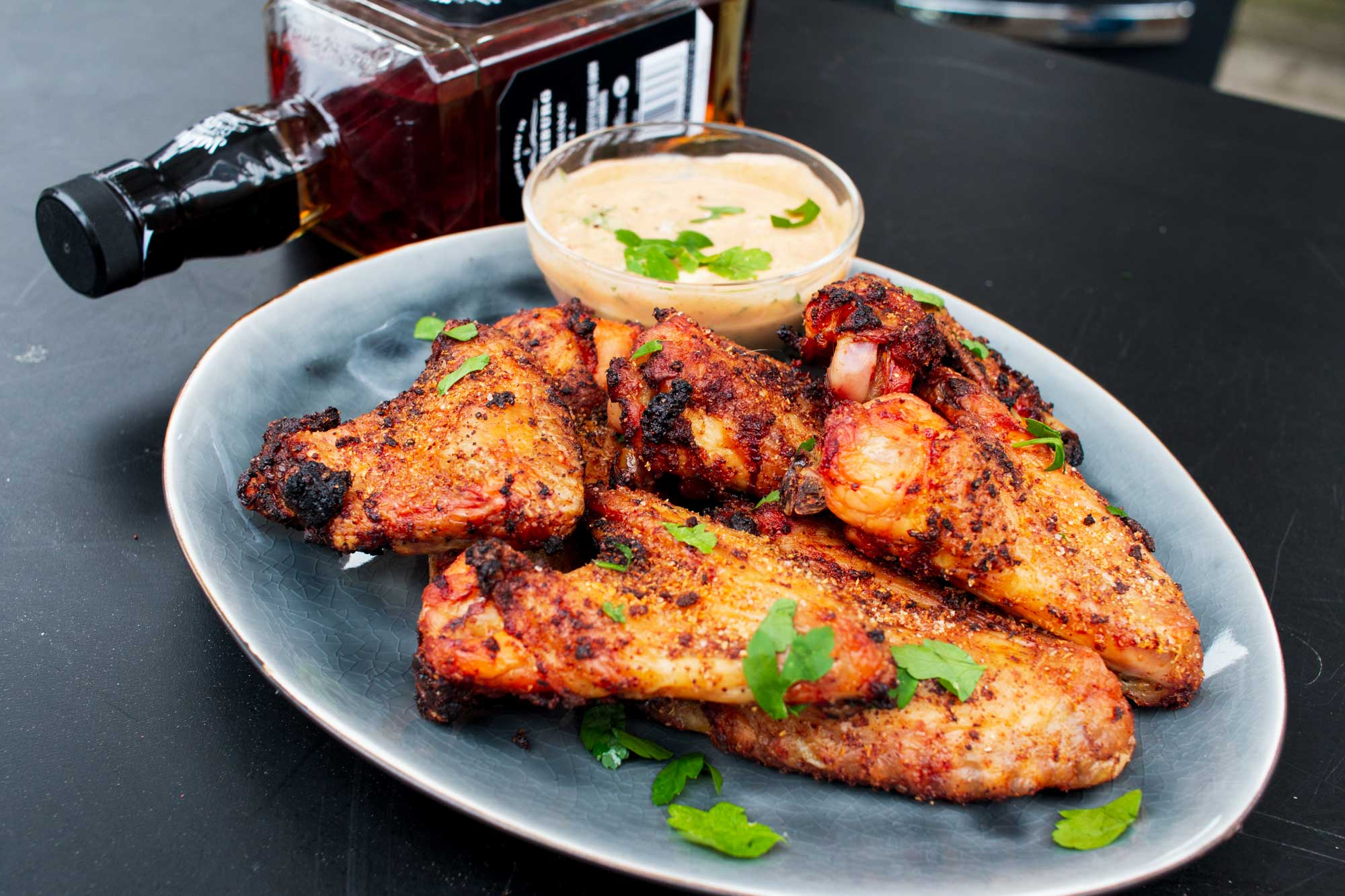 Partyrezept: Chicken Wings mit Whisky Dip