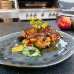 Pollo Fino mit fruchtigem Sommersalat