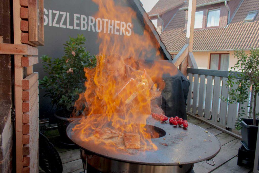 Flammlachs Rezept: Hier brennt der Lachs