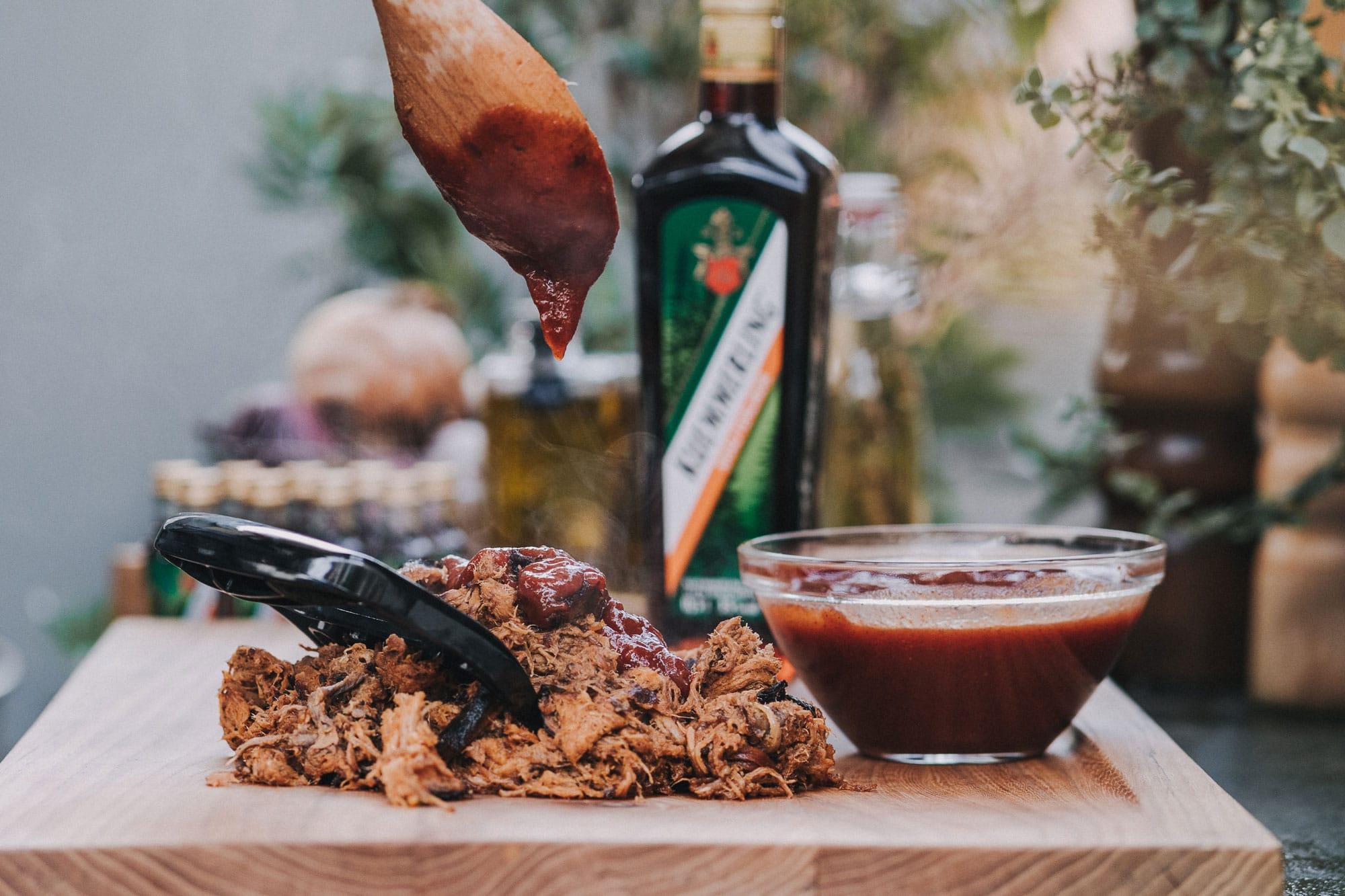 Pulled Pork Barbecue Sauce Rezept mit Kräuter Likör