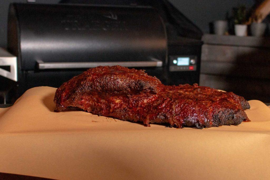 Im Butcher Paper braucht das Beef Brisket Texas Style weitere 3 Stunden