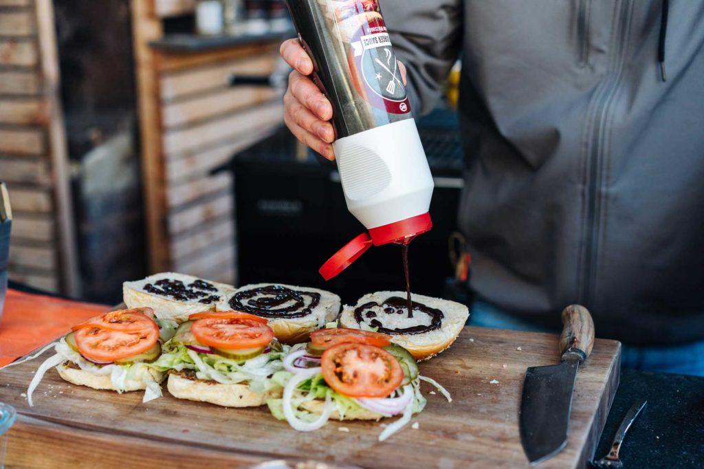 Auch unsere Burger Sauce mit Mc Rib Geschmack darf nicht fehlen