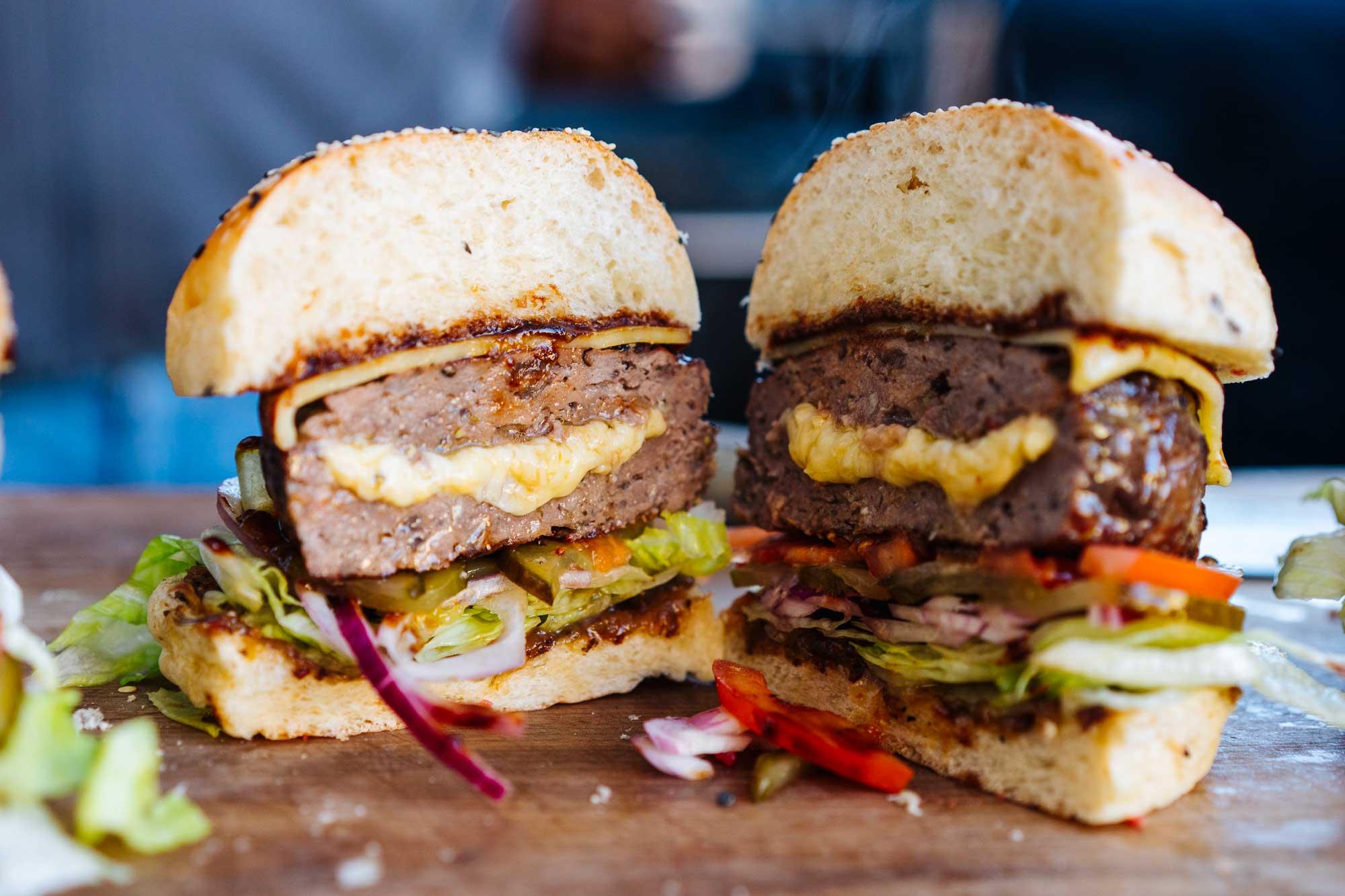 Stuffed Cheeseburger mit doppelt Käse