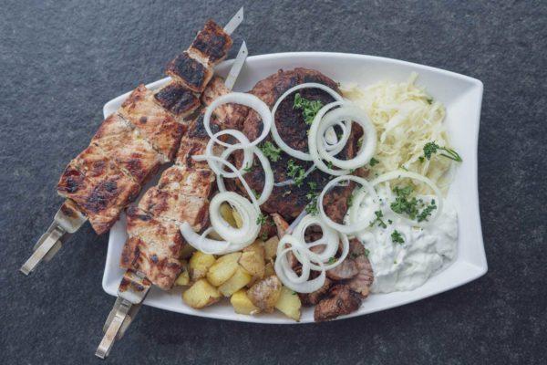 Souvlaki Rezept - Griechischer XXL Grillteller