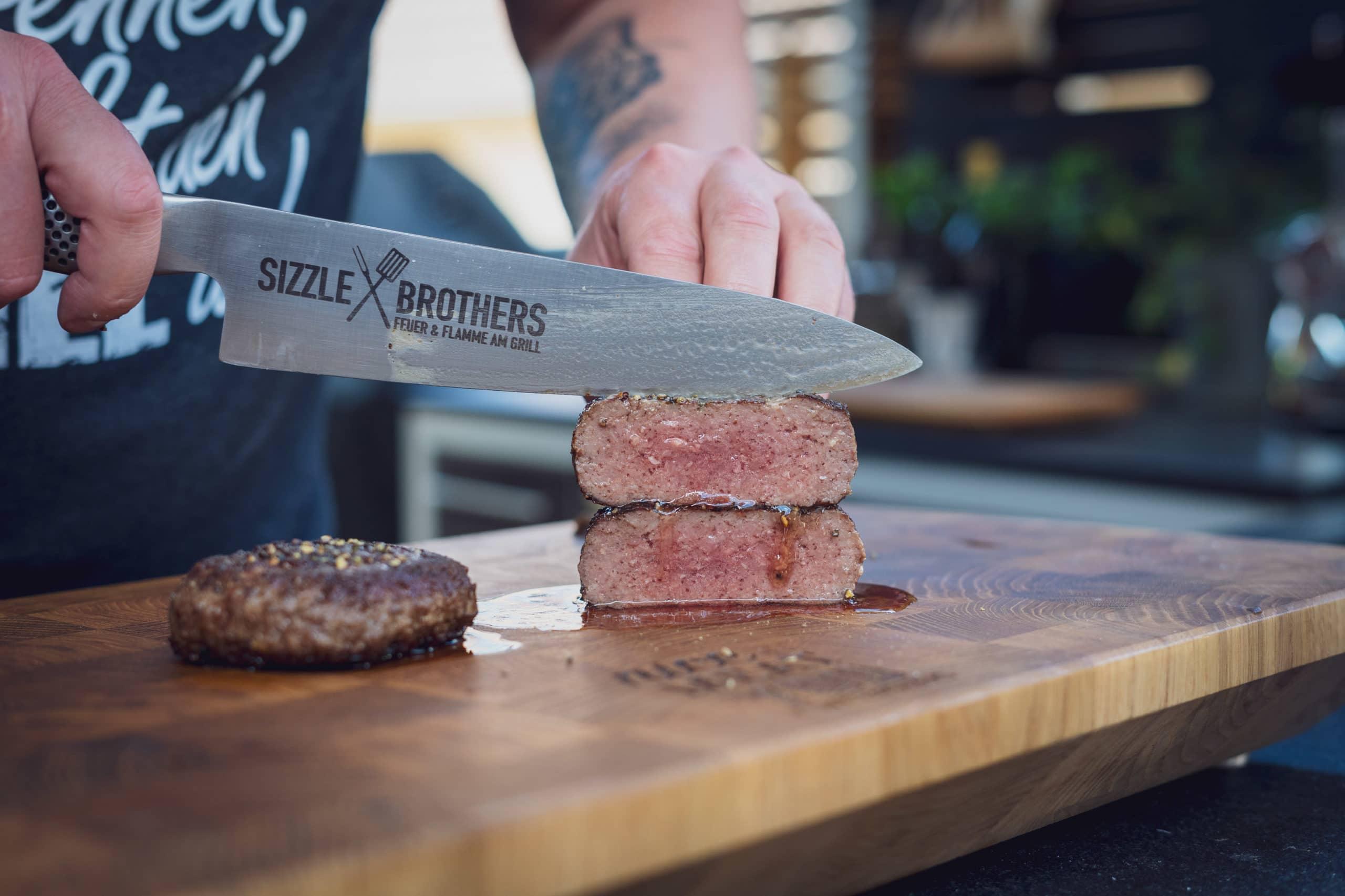 Das selbst gemachte Wagyu Steak sollte 56 °C im Kern haben