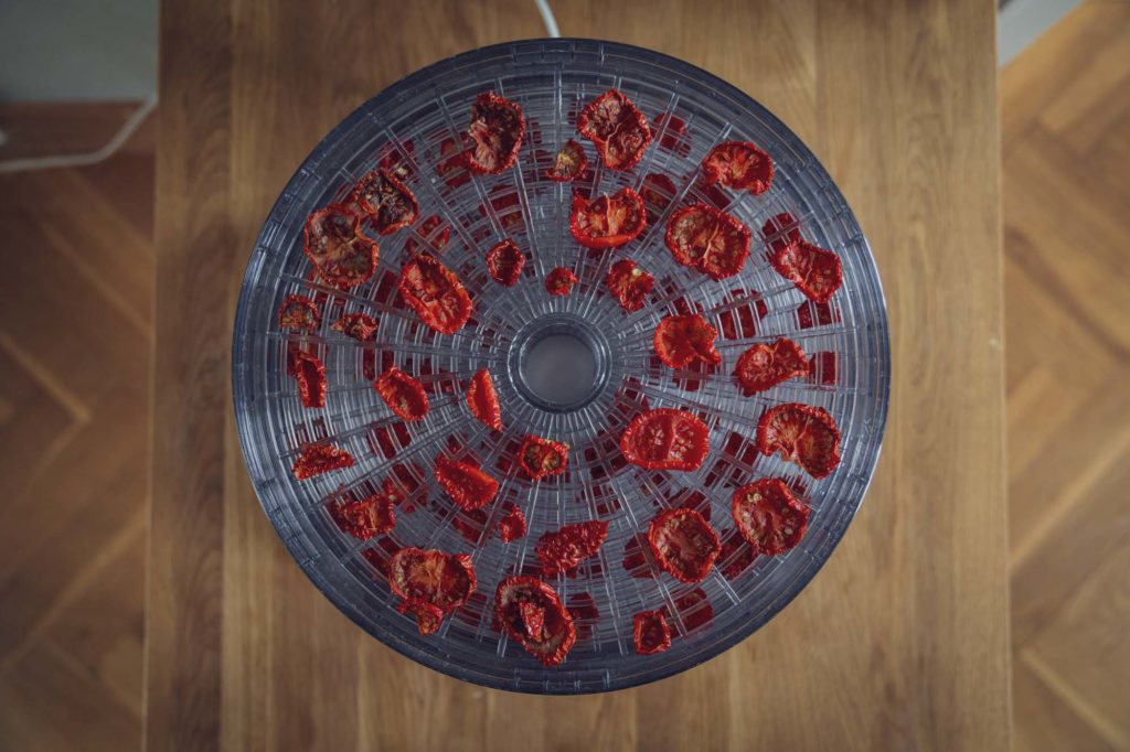 getrocknete Tomaten im Dörrautomaten
