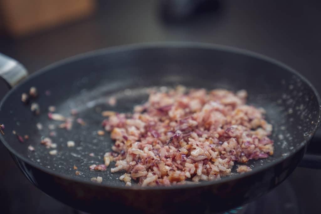 Auch den Bacon mit anbraten